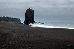 Reynisfjara -Plage de sable noir. (minoltanikon) Tags: mer nikon naturepaysage noir islande iceland plage roché