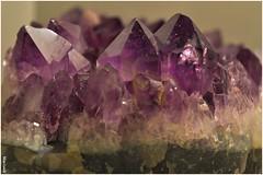 Améthyste... (Miss-Louly) Tags: améthyste pierre pierreprécieuse