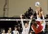 Argh! (RPahre) Tags: swing defense volleyball illinois universityofillinois indiana indianauniversity champaign huffhall huff blaykehranicka jacquelinequade elizabethasdell