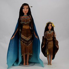 Pocahontas Limited Edition 16 Inch vs Designer Fairytale 11 1/2 Inch Dolls - Full Front View (drj1828) Tags: pocahontas disneystore us limitededition 16inch doll le4500 posable instore purchase 2018 collectible animated deboxed standing designer dfdc disneyfairytaledesignercollection 2014 sidebyside comparison