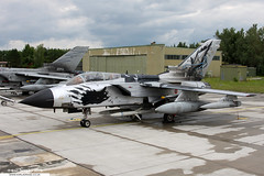 MM7027 - Panavia Tornado ECR - No. 155 Gruppo, 50 Stormo, AMI (KarlADrage) Tags: mm7027 panaviatornado tornadoecr 155gruppo 50stormo ami aeronauticamilitaire lechfeldab exerciseelite elite2008
