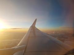 (claudia.pibiri) Tags: sardinia ryanair flying fromabove sun sunset sky skyscape landscape airplane