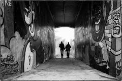 into the light (ingrid.lowis) Tags: street bw schwarz weis monochrom h schanzenviertel