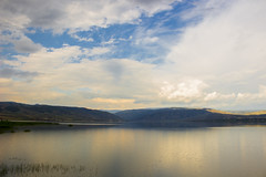 IMG_3414 (gungorme) Tags: landscape mountain mountains lake nature sky clouds color colors reflection beauty beautiful çorum obruk obrukbarajı kızılırmak iskilip turkey türkiye doğa tabiat göl yansıma dağlar gökyüzü bulutlar manzara