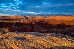 White Crack Sunset (Bill Bowman) Tags: canyonlandsnationalpark islandinthesky whitecrackcamp canyonrimsrecreationarea mantilasalmountains lasalmountains publiclandforpublicuse utah whiterimsandstone organrockformation sunset