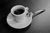 18-06-12.jpg (Martin Klöckner) Tags: 400800 ilfordddx kaffee kaffeetasse minoltaxd5 rolleirpx400 tasse schwarzweiss