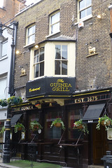 Guinea, London W1 (piktaker) Tags: london londonw1 w1 pub inn bar tavern publichouse guinea youngs