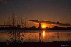 Sonnenuntergang an der Alster - 24021805 (Klaus Kehrls) Tags: hamburg sonnenuntergang abendstimmung alster seen gewässer skyline abendhimmel