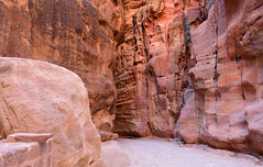 The Siq, Petra, Jordan, January 2018 1024 (tango-) Tags: giordania jordan middleeast mediooriente الأردن jordanien 約旦 ヨルダン siq petra