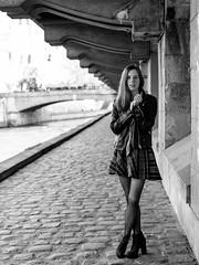 Quai du Marché Neuf (Nathanaël Photo) Tags: 75004 auroreabra basautofixant cheveuxlongs cheveuxroux france jupe modèle paris parisbyelles quaidumarchéneuf