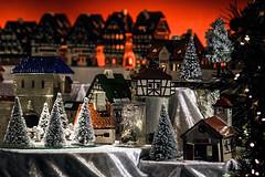 Wonder (Melissa Maples) Tags: münchen munich deutschland germany europe nikon d3300 ニコン 尼康 nikkor afs 18200mm f3556g 18200mmf3556g vr winter marienplatz night christmasmarket holidays christmas christkindlmarkt market weihnachtsmarkt houses decorations vendor