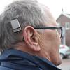Gehoorapparaat (Steenvoorde Leen - 6.6 ml views) Tags: 2018 driebergen utrechtseheuvelrug man gehoorapparaat fone höraparat hörgerät hearing aid aparatoparasordos