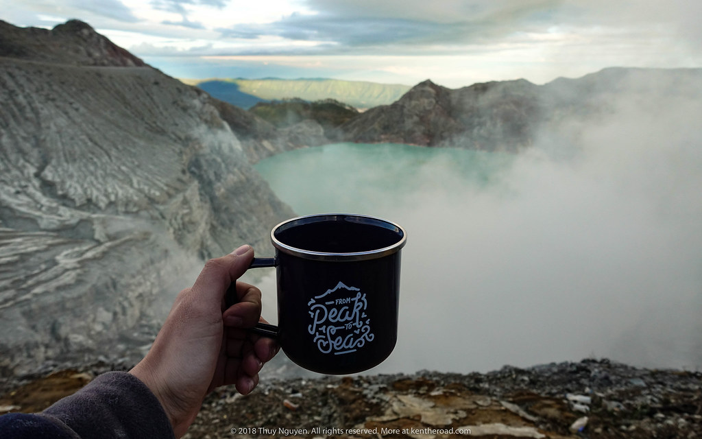 Let's drink coffee at Mt.Ijen