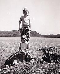 Me and my sister 1964 (Ankar60) Tags: sweden sweidish svensk svenskt sverige 60 tal 1960 sixties 60s 1960s sextiotal gammalt gamla foto foton photo child children kid kids barn nostalgi svartvitt black white