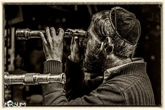 I can see clearly now (tchia sheffer) Tags: telescope religious jwe jewish watching man one alone closeup person real people kipa observing bw canon 6d beard earlock
