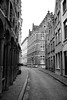 Wapenmakersstraat, Bruges, Belgium (Plan R) Tags: street brick cobblestone bruges monochrome blackandwhite architecture leica m 240 summilux 35mm