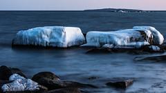 Utsikt från Boön mot Hanö (tonyguest) Tags: boön hanö fyr lighthouse ice sea rocks karlshamn blekinge sverige sweden tonyguest stockholm night