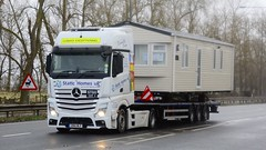 GN14 WLF (panmanstan) Tags: mercedes actros mp4 wagon truck lorry commercial caravan freight transport haulage vehicle a63 everthorpe yorkshire