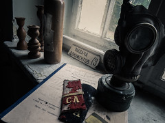 Abandoned soviet base (NأT) Tags: abandon abandonné abandonnée decay decaying decayed dust dusty rust rusty creepy rotten cccp russe russie russian soviétique soviet base military militaire building lost past passé passée exploring explore explorationurbaine exploration urbex urbanexploration inexplore perdu perdue trespassing forgotten oubli oublié oubliée batiment old ancien ancienne