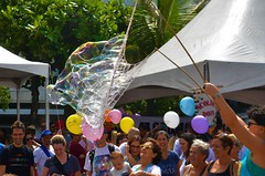 soap bubbles (Rodrigo Soldon 2) Tags: soapbubble bolha de sabão bolinhas soap bubble bubbles bolhas seifenblasen فقاعات الصابون সাবানের বুদবুদ 肥皂泡 비누 거품 burbujas jabón bulles savon साबुन के बुलबुले bolle di sapone 石鹸 мыльные пузыри seifenblase فقاعة صابون 肥皂泡沫 burbuja bulle का बुलबुला zeepbel bolla 石鹸の泡 ipanema brasil brazil