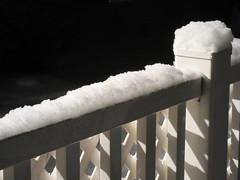 ** Garniture de neige ** (Impatience_1 (peu...ou moins présente...)) Tags: neige snow clôture fence hiver winter m impatience supershot coth coth5