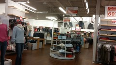 Left-side actionway-of-sorts (Retail Retell) Tags: gap factory store outlet closing closure liquidation sale south lake centre southaven ms desoto county retail tanger relocation