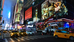 Nightlife NYC (M!G Photography) Tags: landscape cityscape street streetphotography night light colour travel holiday trip taxi transportation people ngc