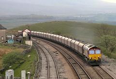 66132, Blea Moor, May 2010 (Penmorfa's Photos) Tags: 66132 bleamoor settlecarlisleline coaltrain dbs ews