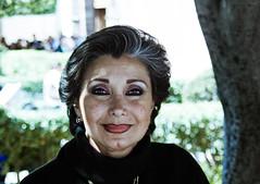 Regards du Mexique - 7/? (dominiquita52) Tags: mexique portrait femme woman smile sourire eyes yeux stare maquillage makeup