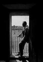 autoretrato (guilletho) Tags: blackandwhite monochrome blancoynegro blackwhite noiretblanc mexico monocromatico sombras window shadow balcon