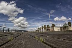 Rincones de Vigo (sairacaz) Tags: vigo galicia nubes clouds cielo sky azul blue madera wood canon eos550d samyang 8mm fisheye ojodepez