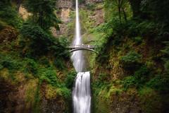 Multonomah Falls (Scottie Nguyen) Tags: pacific northwest pnw multonomah falls oregon waterfalls