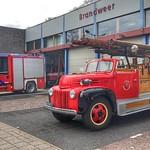 Oude en nieuwe Brandweerwagen, Driebergen-Rijsenburg, Netherlands - 0796 thumbnail