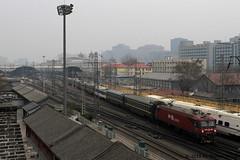 I_B_IMG_8814 (florian_grupp) Tags: asia china locomotive train railway railroad passenger diesel electric beijing station citywall beijingmainstation chaoyang peking cnr chinanationalrailway traffic bluesky