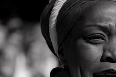 Foto-Arô Ribeiro-5994-2 (Arô Ribeiro) Tags: ilúoládemin photography laphotographie coralusp brazil sãopaulo arôribeiro bw blackandwhite pb pretoebranco arte fineart cantora candidportrait portrait retrato nikond7000 thebestofnikon nikon