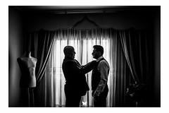 Momento padre e hijo. Más fotos en www.frankpalace.com #frankpalace #fotografodebodas #bodas (frankpalace) Tags: fotografiabodas bodascastellon castellon wedding weddingphotography frankpalace fotografodebodas bodas