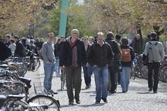 Campus_2_008 (oeffarbeit_philfak_uni_goe) Tags: peterheller ausen campus studierende pause kommunikation frühling 2011 göttingen niedersachsen deutschland