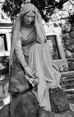 Sepultura d'Ernest Niquet, Cementiri de Montjuïc, Barcelona. (heraldeixample) Tags: heraldeixample barcelona bcn spain espanya españa spanien catalunya catalonia cataluña catalogne catalogna panteó panteón pantheon пантеон 万神殿 escultura sculpture skulptur scultura скульптура 雕塑 modernisme artnouveau tiffany jugendstil sezessionstil wiener sezession stile900 floreale liberty cementiri cemetery cementerio hilerria kirkegård cimetière cimitero 墓地 kirkegården cemitério cimitir кладбище kyrkogård dona woman mujer frau femme fenyw bean donna mulher femeie 女人 kadın женщина หญิง boireannach kobieta