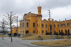 Wrocław Główny (Neil Pulling) Tags: wrocławgłówny railwaystation wrocław breslau poland lowersilesia silesia station railway bahnhof gare