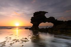 Summer sunset (Derek Midgley) Tags: dsc28762 portsea ocean rocks ledge sunset