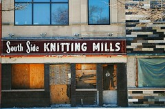 South Side Knitting Mills - Chicago (Cragin Spring) Tags: illinois il midwest unitedstates usa unitedstatesofamerica southside southsidechicago neon neonsign building forgottenchicago vintage vintagesign mill knitting southsideknittingmills oldsign business sign backoftheyards