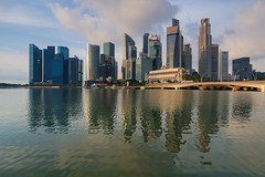 20171019-Canon EOS 750D-1326 (Bartek Rozanski) Tags: singapore skyline water marina bay reflection sunrise morning hotel fullerton colonial modern architecture skyscrapper