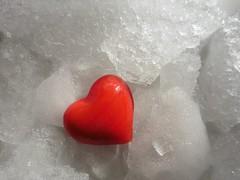 Das kalte Herz (Hannelore_B) Tags: macro daskalteherz thecoldheart wilhelmhauff herz heart eis ice märchen fairytale onceuponatime macromondays heartofstone