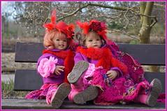 Sanrike und Milina ... den Tag genießen ... (Kindergartenkinder) Tags: kindergartenkinder annette himstedt dolls gruga grugapark essen milina sanrike