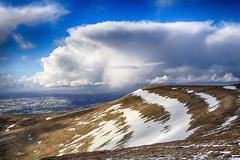 (OutdoorMonkey) Tags: waunfach ygrib twynmawr wales blackmountains breconbeacons nationalpark southwales snow hill mountain hillside mountainside cloud bluesky cloudscape landscape countryside rural outside outdoor scenic scenery