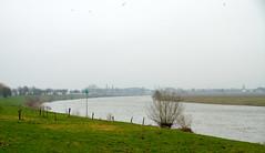 Langs de Nederlands/Belgische Grens (Marianne de Wit) Tags: canoneos40d mariannedewit baby bridge border grens bunkers hoge mierde de maas