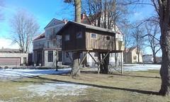 Tree house (sebilden) Tags: sebilden vara skaraborg town house garden winter