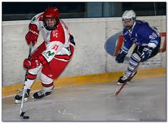 Hockey Hielo - 04 (Jose Juan Gurrutxaga) Tags: file:md5sum=9da078e0a9ad0b652239f7fd913137ab file:sha1sig=e8420816e353f68afa07d5301db44f80bac3e49f hockey hielo izotz ice txuri urdin txuriurdin jaca