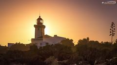 Farol de Alfanzina in front of the setting sun (dieLeuchtturms) Tags: sonnenuntergang leuchtturm 16x9 algarve europa portugal europe lighthouse sunset carvoeiro faro pt