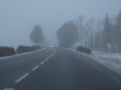 late winter (2) (mgheiss) Tags: canon powershot s120 winter spätwinter march märz latewinter nebel dunst strase road auto car
